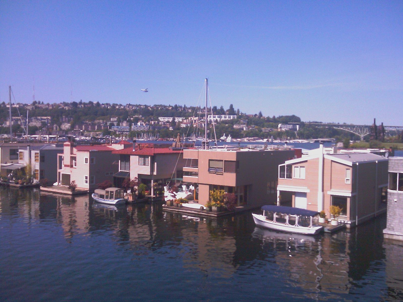 Eastlake houseboats seattle afloat seattle houseboats floating homes - Floating house seattle ...