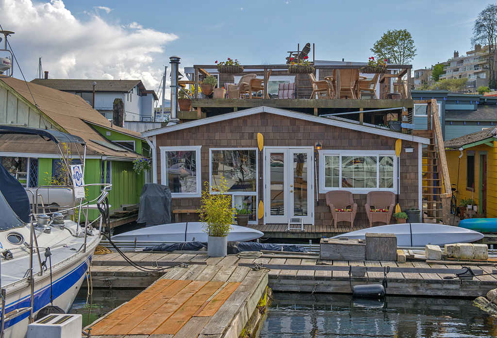 seattle houseboats in westlake