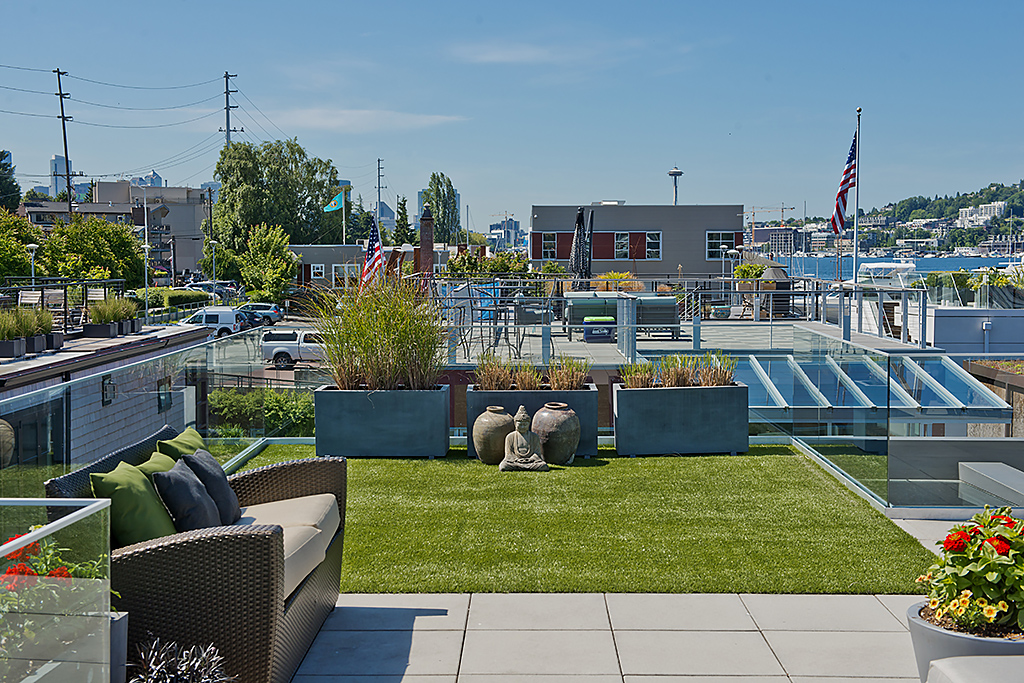 Roof Top 9 Seattle Afloat Seattle Houseboats Amp Floating