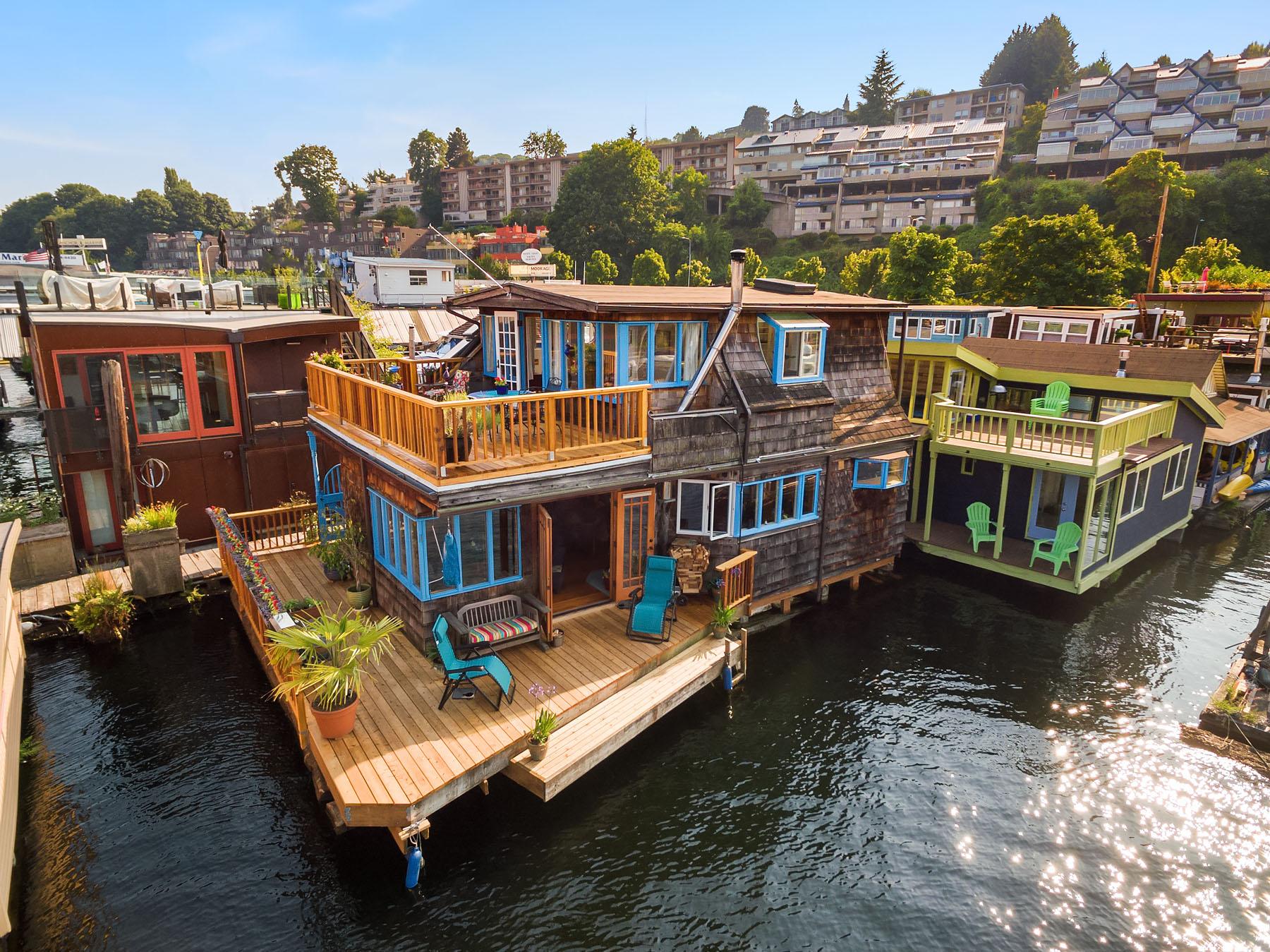 Westlake floating homes for sale on Lake Union