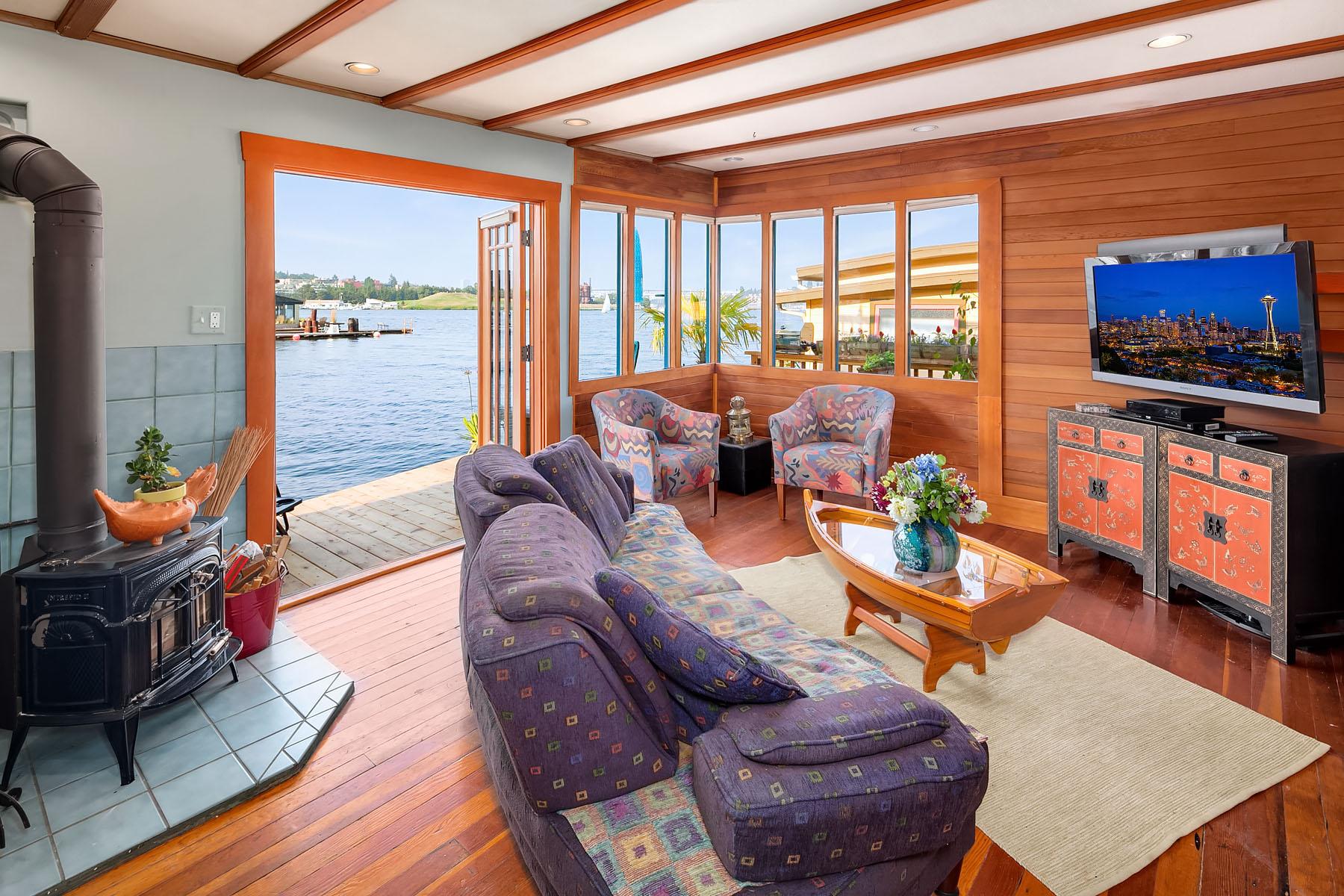 Seattle houseboats in Westlake